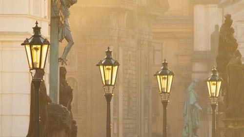Street lampst that follow ASTM C1089-19