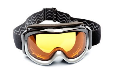 Standard Specification for Ski and Snowboard Goggles