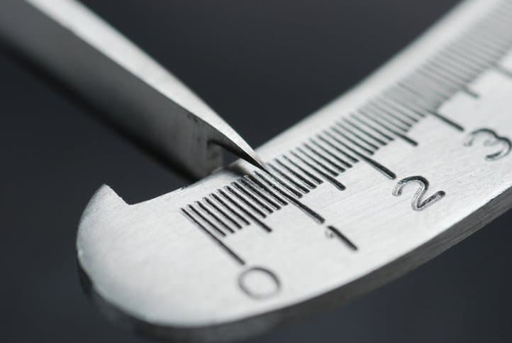 Calibrating a laboratory measuring tool through ISO/IEC 17025:2017 testing.