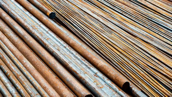 Rusty pipes that need a salt spray with ASTM B117-18 to prevent corrosion
