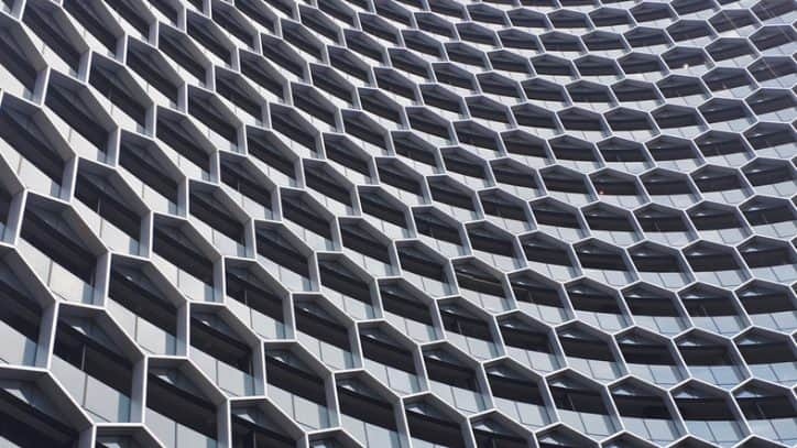 Honeycomb style of building exterior that refers to BACnet under ANSI/ASHRAE 135.
