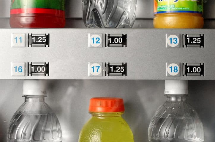 Plenty of cold drinks priced differently in a NSF/ANSI 25-2017 vending machine.